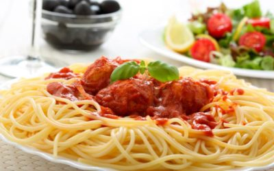 Receta de espaguetis con albóndigas de pollo